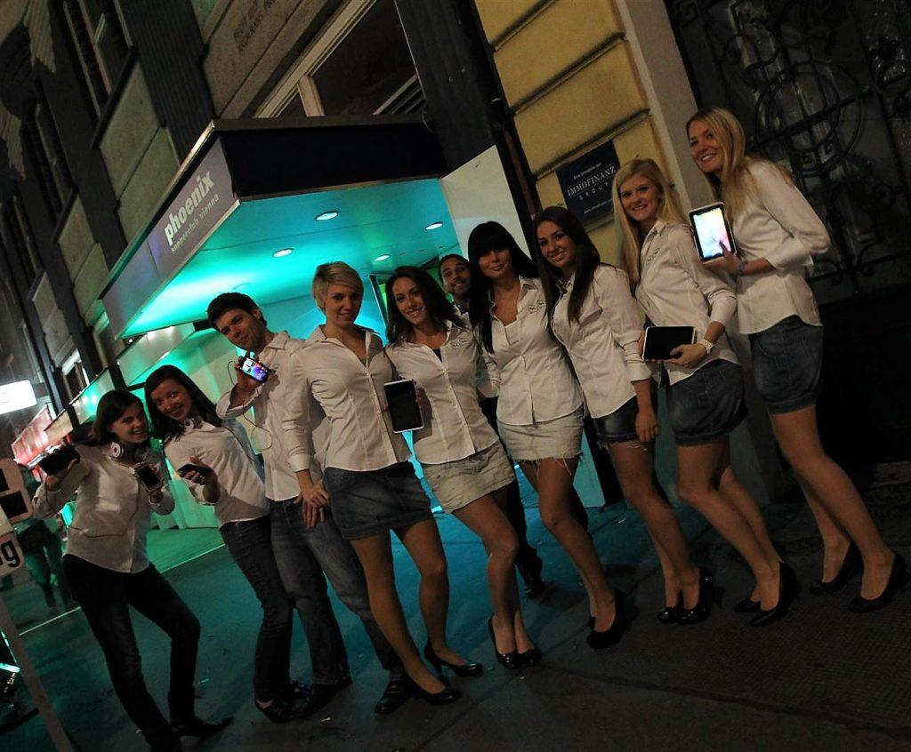 Eventhostessen/hosts und PromotorInnen bei Brand Building und Launch Event für Smartphone Hersteller in Wien